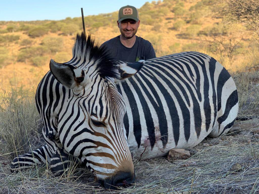 Hartmann's Zebra hunt namibia ~ schalk pienaar safaris namibia